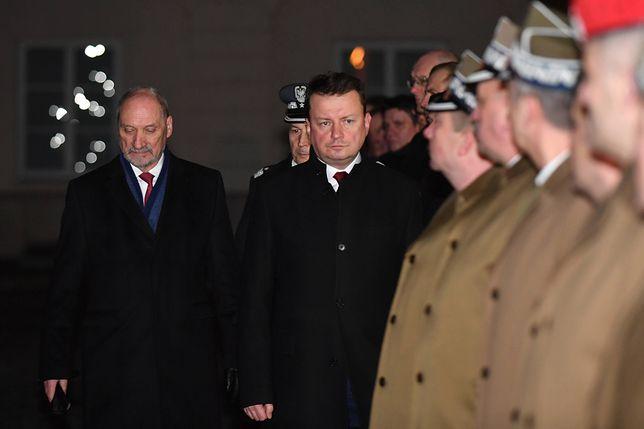 """Macierewicz ma być szeregowym posłem. """"Uniósł się honorem"""""""