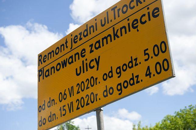 Warszawa. Utrudnienia na ulicy Trockiej. ZDM wymieni nawierzchnię