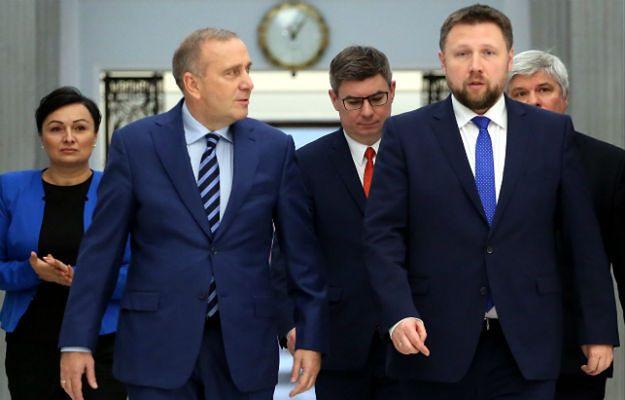 """J. Kaczyński mówi o """"próbie puczu"""". Posłanka protestująca w Sejmie: jaki prezes, taki pucz"""