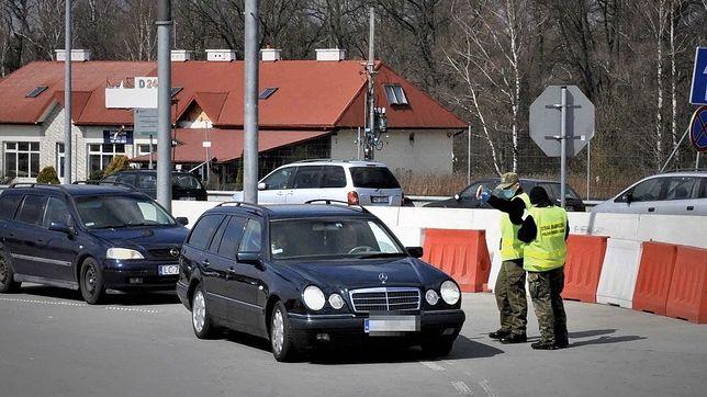 Nowe obostrzenia. Mobilne posterunki straży granicznej na granicy. Jak uniknąć kwarantanny?
