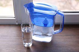 Dzbanki filtrujące wodę. Czy warto mieć je w swojej kuchni?