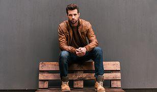 Klasyczną kurtkę możesz włożyć do jeansów lub eleganckich spodni