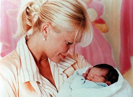 Coraz więcej Polaków rodzi się... w Anglii