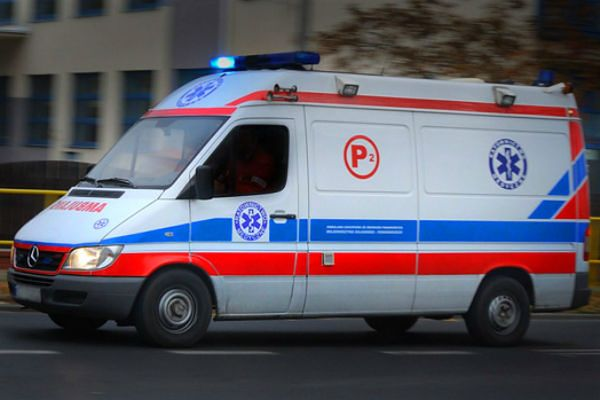 """Pięć osób rannych w wypadku na """"ósemce"""" w Kłodzku"""