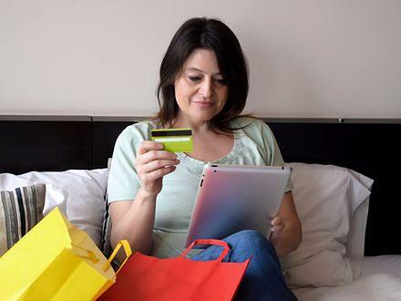 Kobiety kupują z głową. Polki coraz częściej doceniają zalety zakupów w sieci