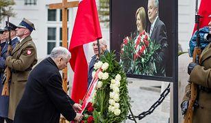 Upamiętnią gen. Andrzeja Błasika oraz Lecha i Marię Kaczyńskich w Krzesinach