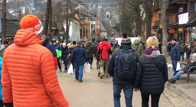 Alkohol, tłok i oszustwa pod Tatrami. Turyści przed sylwestrem zamieniają Zakopane w piekło