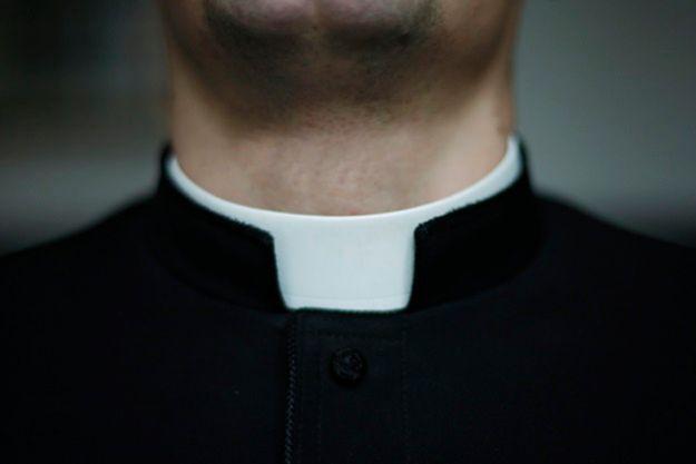 Ksiądz oskarżany o gwałt nie pełni już obowiązków proboszcza