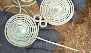 W lesie koło Janowca Wielkopolskiego policjanci znaleźli przedmioty sprzed 3 tys. lat