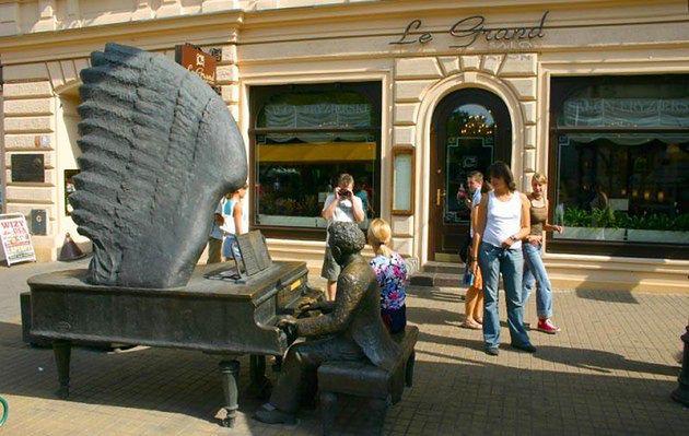 Najdziwniejsze polskie pomniki