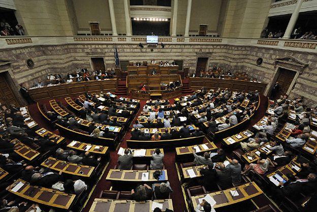 Grecki parlament uchwalił reformy oszczędnościowe