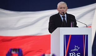 Jarosław Kaczyński na konwencji PiS złożył pięć obietnic. Najgłośniejsza to 500 zł już na pierwsze dziecko.