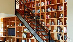 Półka czy regał na książki? Jak zaaranżować domową biblioteczkę?