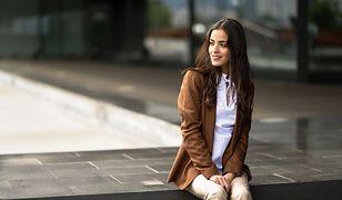 Wygodna narzutka to uniwersalne i praktyczne ubranie
