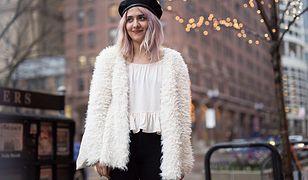 Farbowanie włosów bibułą. Poznaj instrukcję wykonania koloryzacji krok po kroku