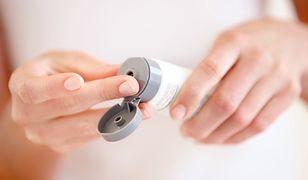 Jak dbać o dłonie? Wprowadź proste zasady do domowej pielęgnacji rąk