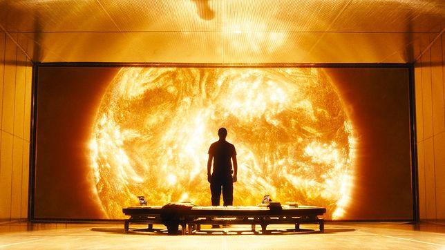 """Program TV na piątek: """"W stronę słońca"""", """"Avengers"""" i """"Everest"""""""