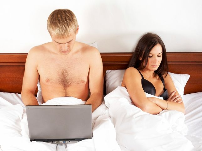 Oglądasz porno w internecie? Będziesz miał problemy w łóżku!