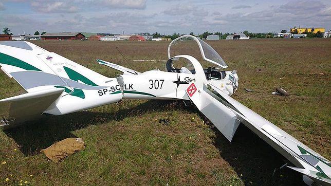 Pilot wyszedł z wraku maszyny o własnych siłach