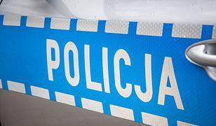 Nastoletni chłopak pobity został w poniedziałkowy wieczór przez czwórkę zamaskowanych sprawców. Według  policji, atak może być powiązany ze sporem pseudokibiców.