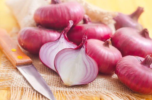 Czerwona cebula – wartości odżywcze, właściwości lecznicze, kulinarne zastosowanie, przepisy