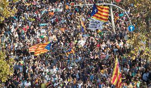 Tysiące Katalończyków cieszą się z decyzji lokalnego parlamentu