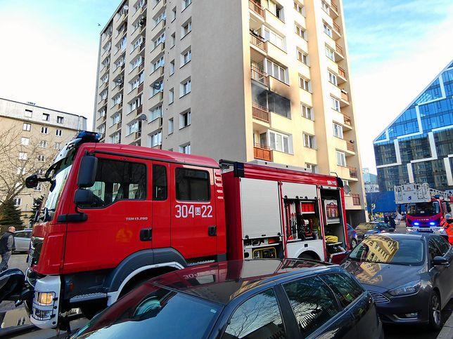 Warszawa. Pożar na Woli, nie żyje jedna osoba