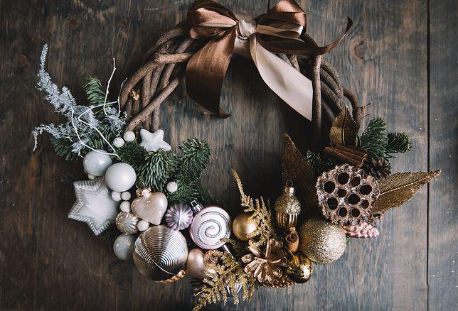 Ręcznie robiony stroik na Boże Narodzenie to świetna ozdoba świąteczna