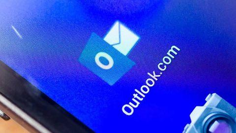 Microsoft reklamuje Outlooka na Androidzie dzięki aplikacji Gmaila