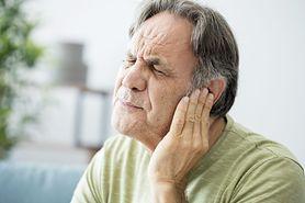 Dzwonienie w uszach jako objaw raka. Sprawdź, kiedy jest groźne