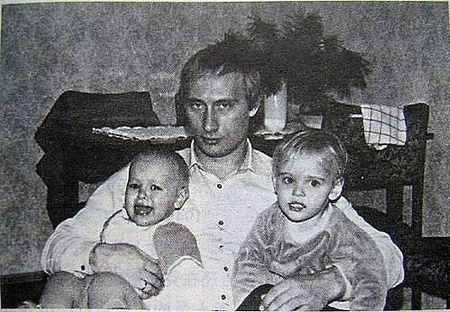 Władimir Putin z córkami