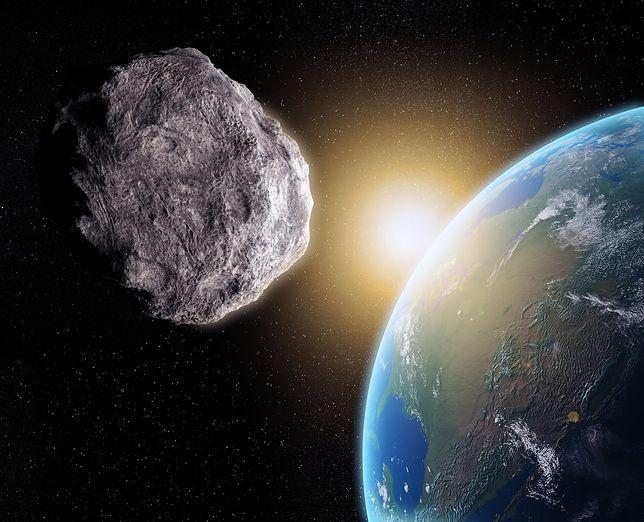 Asteroida pędząca w kierunku Ziemi - wizualizacja