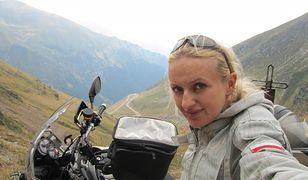 Kobieta na motocyklu
