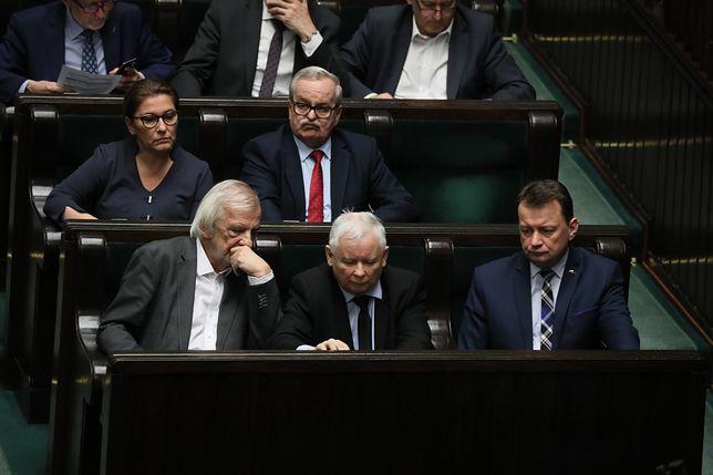 Zjednoczona Prawica i Koalicja Europejska zdobyłyby po 23 mandaty