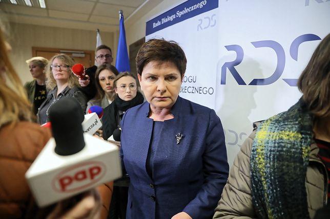 Morawiecki wbrew woli Szydło deleguje ją do rozmów ze związkami nauczycielskimi