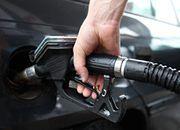 Prawdziwa ropa niepotrzebna! Będziemy jeździć na sztucznym paliwie!