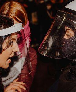 Zrobił zdjęcie, które staje się symbolem Strajku Kobiet. Jakub Ositek mówi, jak wyglądają protesty z perspektywy fotografa
