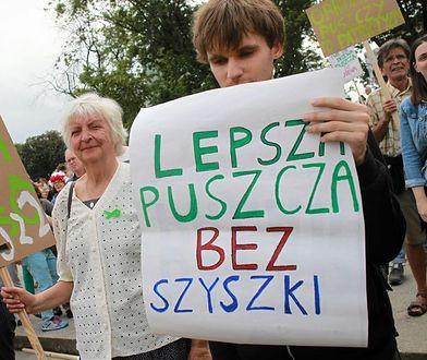 Warszawski marsz dla Puszczy Białowieskiej. Kierują się w stronę ministerstwa