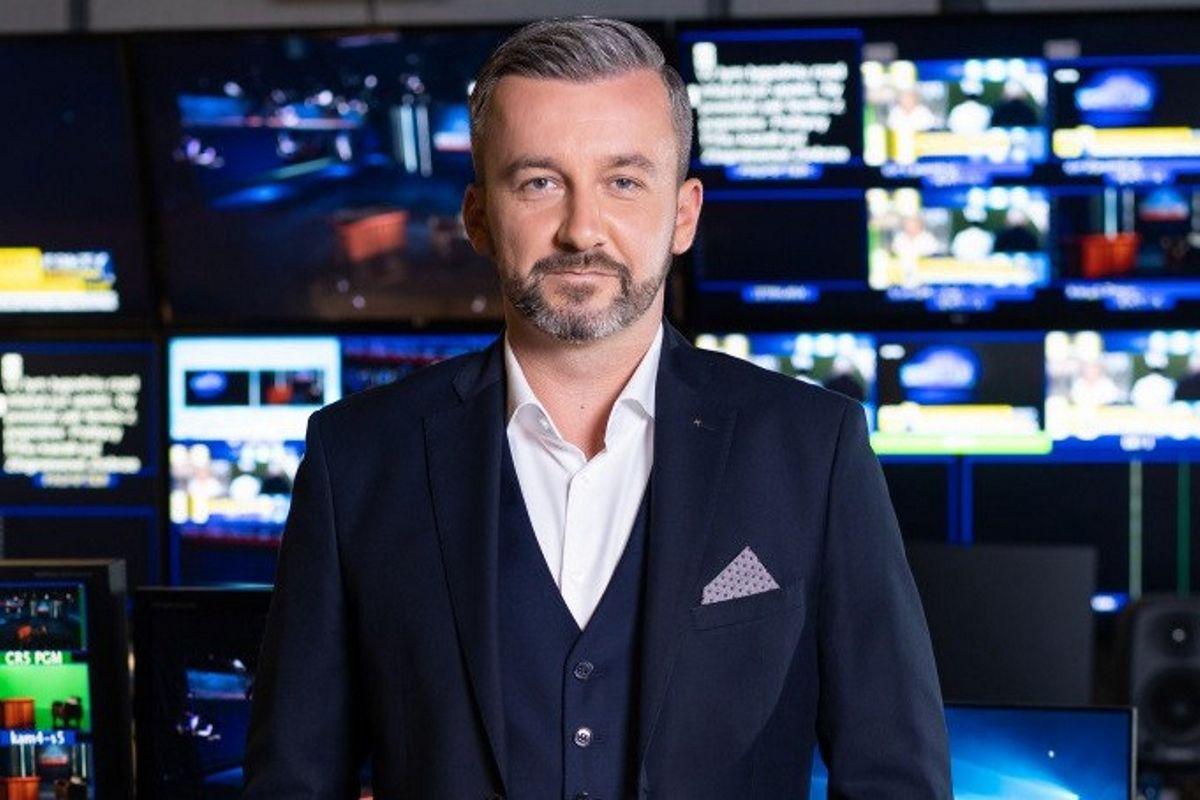 """Krzysztof Skórzyński jest prowadzącym programu """"Sprawdzam""""."""
