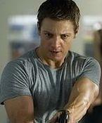 ''Dziedzictwo Bourne'a'': Agent rządowy Jeremy Renner [wideo]