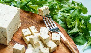 Pasta pieczarkowa z wędzonym tofu