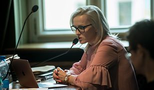 Katarzyna Obara-Kowalska podczas sesji Rady Miejskiej