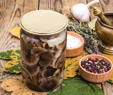 Rydze marynowane. Jak dłużej cieszyć się smakiem leśnych grzybów?