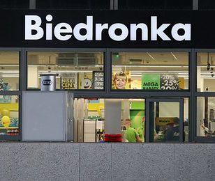 Biedronka przy Rynku Głównym w Krakowie. Sieć otwiera sklep w zabytkowym budynku