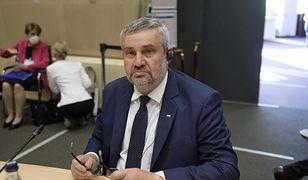 """Minister Jan Krzysztof Ardanowski głosował przeciwko tzw. """"piątce dla zwierząt"""""""