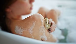 Ukrytą kamerą filmował współlokatorkę podczas kąpieli