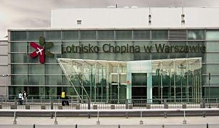 Turyści lecący na Dominikanę koczują na lotnisko Okęcie