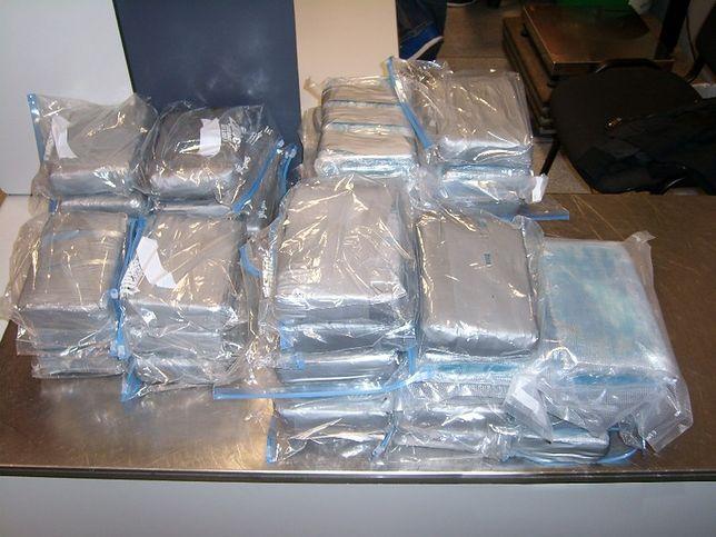 Prawie 50kg kokainy zatrzymano na Lotnisku Chopina