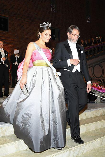 Księżniczka Victoria w sukni vintage.