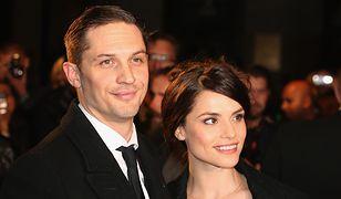 Tom Hardy i Charlotte Riley oczekują drugiego dziecka. Musieli uciec przed prześladowczynią